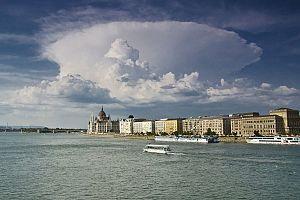 budapest-818989_1280-600x400