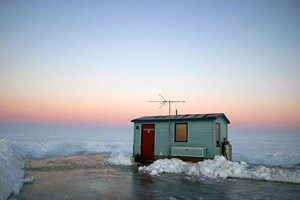 Fishing-IceHouse-a200d487