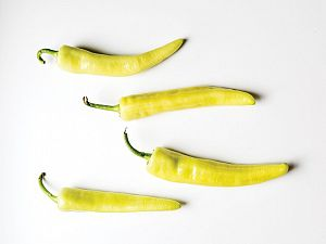 hungarian-yellow-wax-pepper-mtg-2000x1500
