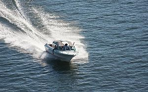 BoatingKidsExpat-large_trans++rWYeUU_H0zBKyvljOo6zlkYMapKPjdhyLnv9ax6_too